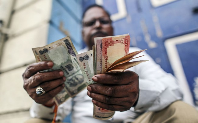 """Những đồng tiền tệ nào trở nên """"mong manh"""" nhất khi kinh tế Trung Quốc giảm tốc?"""
