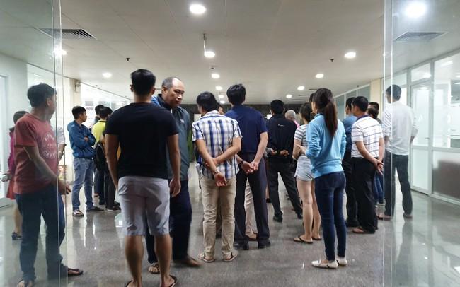 Hàng trăm người bao vây công ty bất động sản tại Đà Nẵng đòi sổ đỏ xuyên đêm