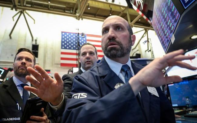 Chứng khoán Mỹ 27/3: Các chỉ số lớn đồng loạt đi xuống, Dow Jones có lúc mất hơn 200 điểm