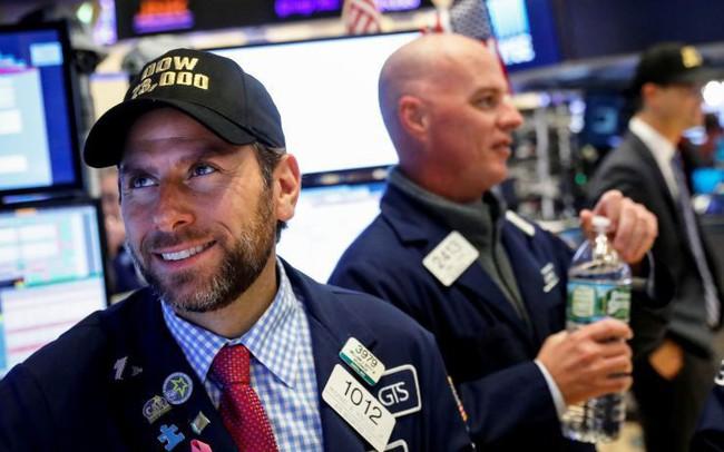 Chứng khoán Mỹ 29/3: Dow Jones bật tăng hơn 200 điểm, S&P 500 ghi nhận quý xuất sắc nhất kể từ năm 2009
