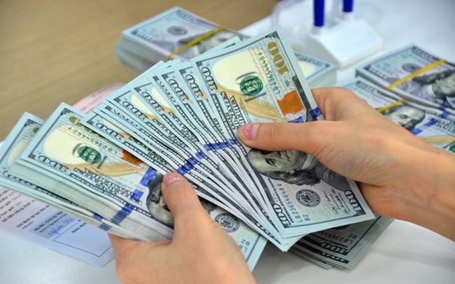 Tâm lý đầu cơ, găm giữ USD giảm mạnh