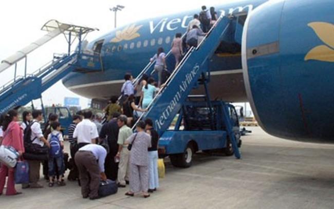 Phạt đến 7 tỉ đồng nếu mang thực phẩm lên máy bay sai quy định