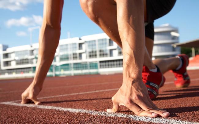 """Thế giới bạn đang sống giống như một cuộc đua """"không có tiếng còi khai cuộc"""", làm gì để về đích nhanh nhất đây? Câu trả lời chính là bí quyết chung của phần lớn những người thành công!"""