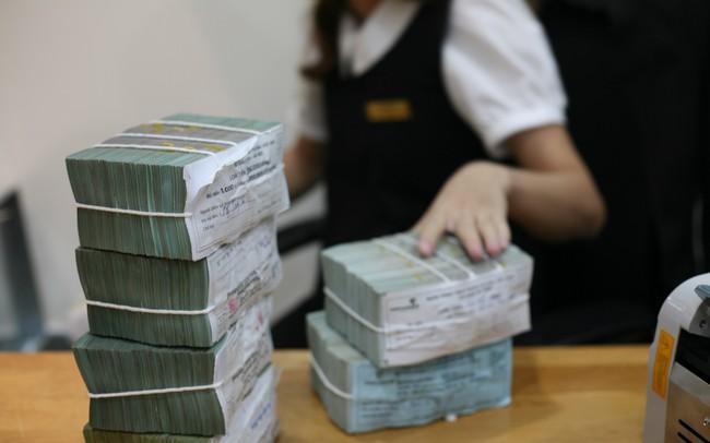 Các ngân hàng lại đua phát hành trái phiếu - ảnh 1