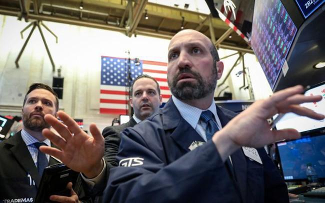 Phố Wall giảm điểm nhẹ do kết quả báo cáo tài chính gây thất vọng của Goldman Sachs và Citigroup