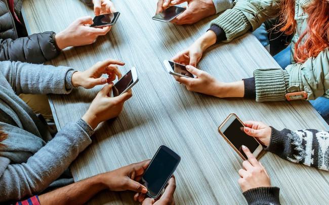 10 thói quen sử dụng điện thoại thông minh đang hủy hoại chính thành công của bạn