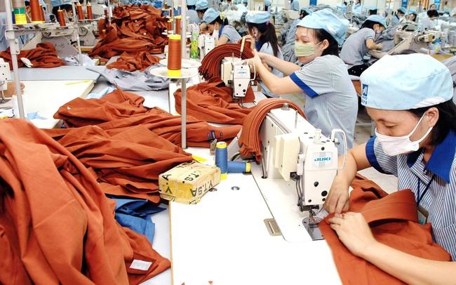 Việt Nam có cơ hội vươn lên dẫn đầu ngành công nghiệp sản xuất thời trang bền vững nhờ các nhà đầu tư nước ngoài - ảnh 1