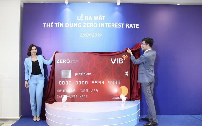 VIB ra mắt dòng thẻ tín dụng miễn lãi trọn đời