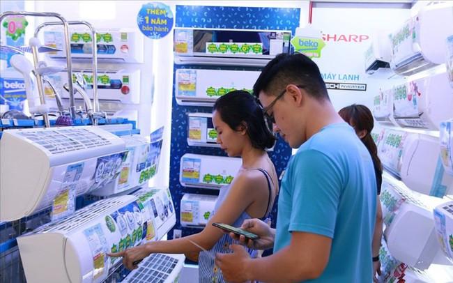TPHCM nắng nóng cực điểm, các hệ thống cửa hàng điện máy hốt bạc tỷ