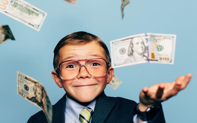 """Dù con 3 tuổi hay 13 tuổi, hãy dạy con giá trị của đồng tiền: Đừng chờ trẻ """"lớn rồi khắc khôn"""", cha mẹ thông minh sẽ làm ngay từ bây giờ!"""
