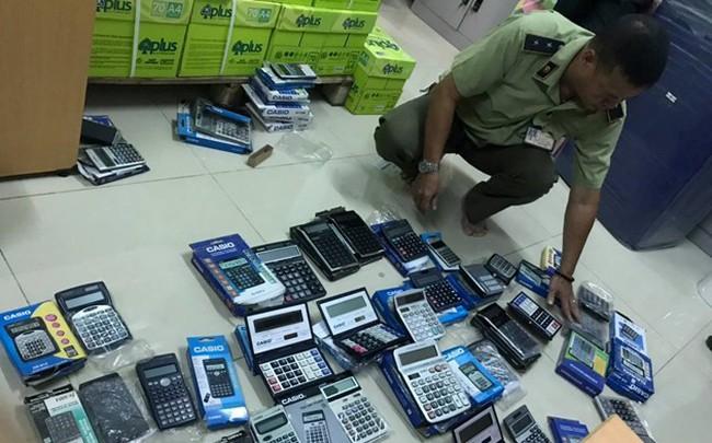 Thu giữ hàng trăm máy tính Casio nghi hàng giả, hàng nhái