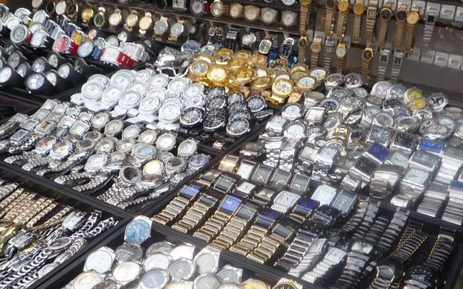 Phát hiện gần 1.300 đồng hồ nhái thương hiệu Rolex, Hublot, Patek Philippe tại Đà Nẵng