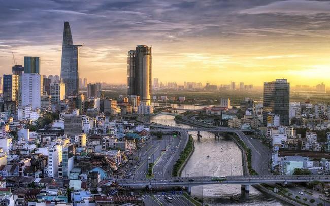 """Bloomberg: GDP bình quân đầu người Việt Nam đạt 10,4 nghìn USD năm 2030, gia nhập """"hội tăng trưởng 7%"""""""