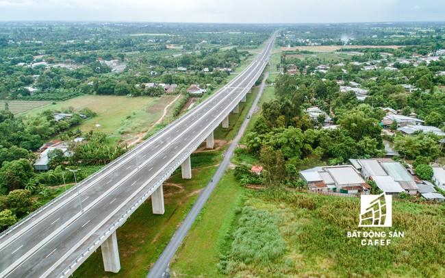TPHCM: Kiến nghị Trung ương ưu tiên vốn đầu tư xây dựng các công trình giao thông trọng điểm liên vùng - ảnh 1