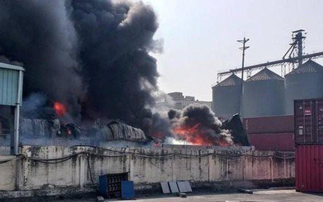 Cháy lớn tại xưởng chứa đồ nhựa Công ty Phú Lâm ở Hải Phòng - ảnh 1