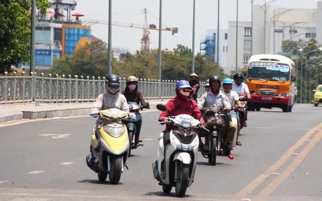 Hà Nội tiếp tục nắng nóng, có nơi trên 40 độ