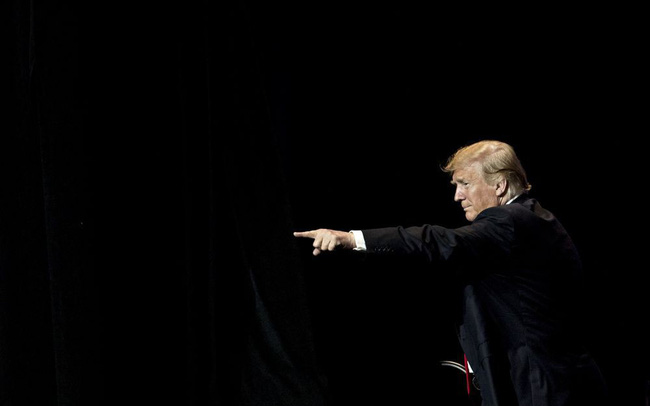"""Tuần lễ bão táp của """"ngài thuế quan"""" Donald Trump"""