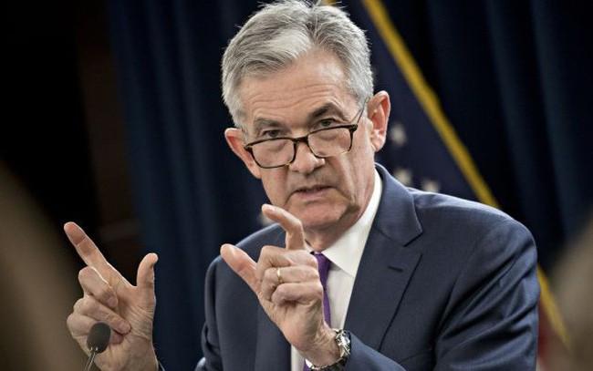 Chỉ bằng một từ, Chủ tịch FED khiến thị trường quay cuồng