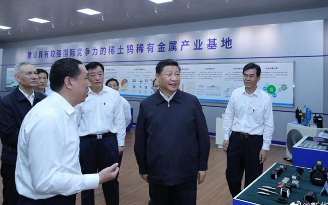 Ẩn số đòn trả đũa của Trung Quốc từ chuyến thăm nhà máy của ông Tập Cận Bình