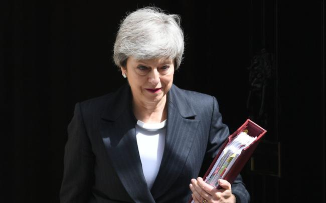 The Guardian: Không có bạn bè cũng chẳng có đồng minh thực sự, sự sụp đổ của Theresa May là không thể tránh