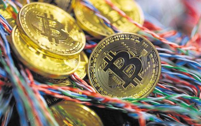 """Bitcoin trở lại mốc 10.000 USD: """"Xuân này có khác xuân xưa""""?"""