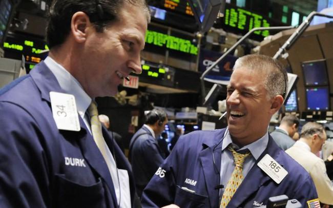 Chứng khoán Mỹ giao dịch trong sắc xanh sau khi số liệu việc làm được công bố, Dow Jones hồi phục gần 200 điểm