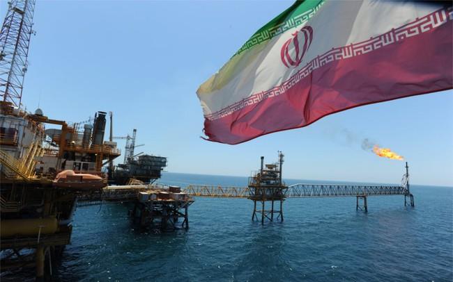 Iran cảnh báo OPEC đang sụp đổ khi những thành viên chống lại nhau