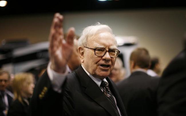 """Warren Buffett: """"Nếu được, tôi sẽ truyền máu của Jeff Bezos vào mình!"""""""