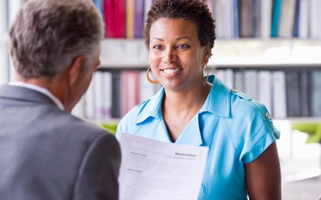 """Bảng điểm hay kinh nghiệm làm việc có """"vẻ vang"""" thế nào cũng không lọt vào mắt xanh của nhà tuyển dụng nếu CV của bạn còn mắc những lỗi """"cỏn con"""" này"""