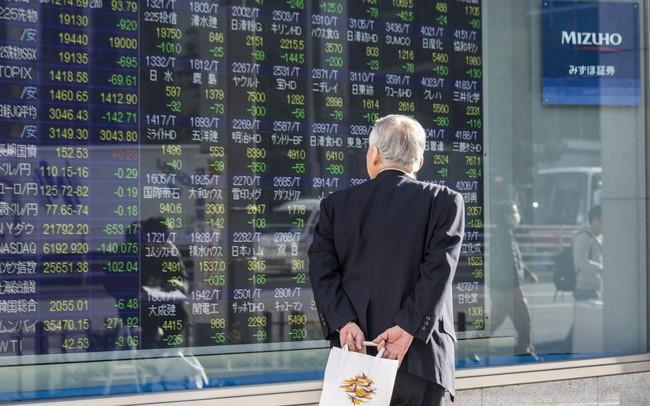 Chứng khoán châu Á diễn biến trái chiều, bất chấp đà hồi phục mạnh của Dow Jones
