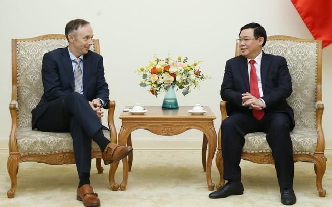 Phó Chủ tịch Tập đoàn Nike: Một nửa sản phẩm Nike trên toàn cầu sản xuất ở Việt Nam