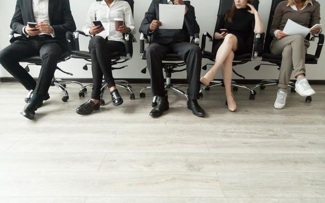 Đến sớm để gây ấn tượng với nhà tuyển dụng, cuối cùng lại phản tác dụng: Nói đúng lời, căn đúng thời điểm, công việc mới nằm chắc trong tay!