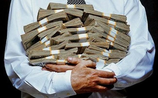 """Các ngân hàng tranh giành 18.000 tỷ USD nằm trong tay những người giàu """"nghèo"""" nhất"""