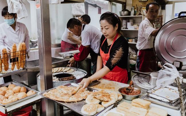 """Chuyện về quán ăn Trung Quốc nỗ lực bảo tồn """"Tứ Đại Thiên Vương"""" - bữa sáng cổ truyền chỉ dành cho vua chúa có nguy cơ bị thất truyền"""
