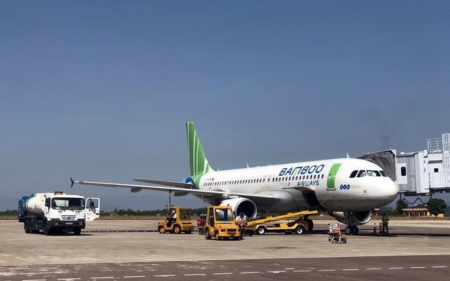 """""""Nóng"""" cuộc đua giành thị phần thị trường hàng không trong nước"""