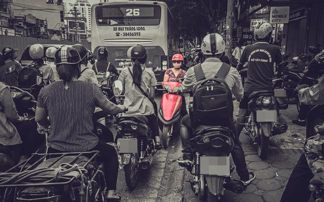 """Trái với đà bứt phá trên toàn Châu Á, chứng khoán Việt Nam tiếp tục """"một mình một đường"""" giảm sâu trong phiên 27/6"""