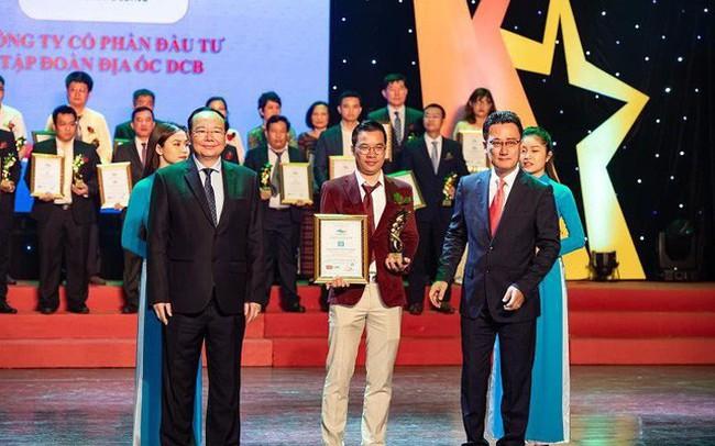 """Chủ tịch Tập đoàn địa ốc DCB nhận giải thưởng """"Top 10 Thương hiệu tiêu biểu Châu Á Thái Bình Dương"""""""