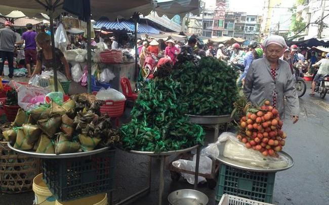 'Lá xông, bánh ú nước tro' đắt hàng trước tết Đoan Ngọ
