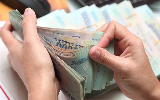 Lãi suất tiết kiệm giữa các ngân hàng ngày càng phân hóa, có kỳ hạn chênh nhau tới 3%/năm