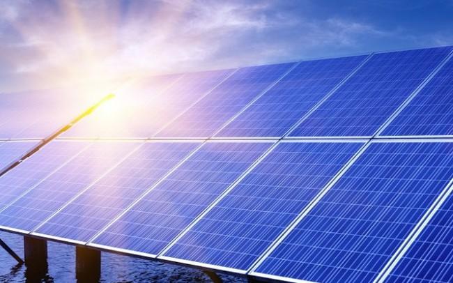 Bùng nổ ngành năng lượng Việt Nam: Năng lượng tái tạo có đuổi kịp 'vua' than? - ảnh 1