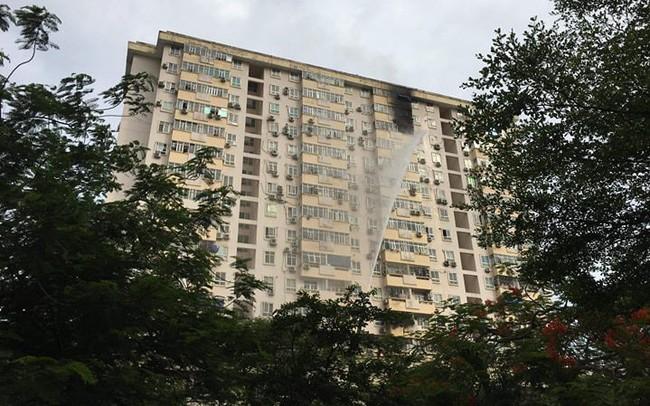 Cháy lớn tại tòa nhà ở Nam Trung Yên, Hà Nội