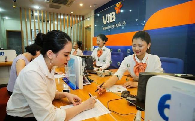 VIB dẫn đầu thị trường về cho vay mua ô tô và phát hành thẻ