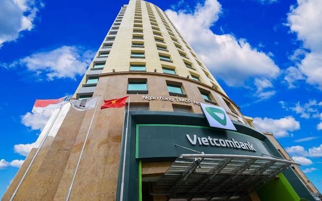 Phó Tổng giám đốc Vietcombank muốn bán gần hết số cổ phiếu đang nắm giữ