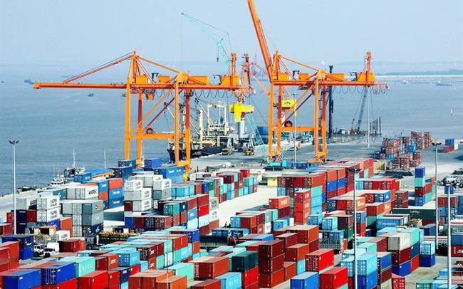 """Dự báo về """"điểm lạ"""" lần đầu tiên xuất hiện sau 10 năm về thương mại và tăng trưởng của Việt Nam"""