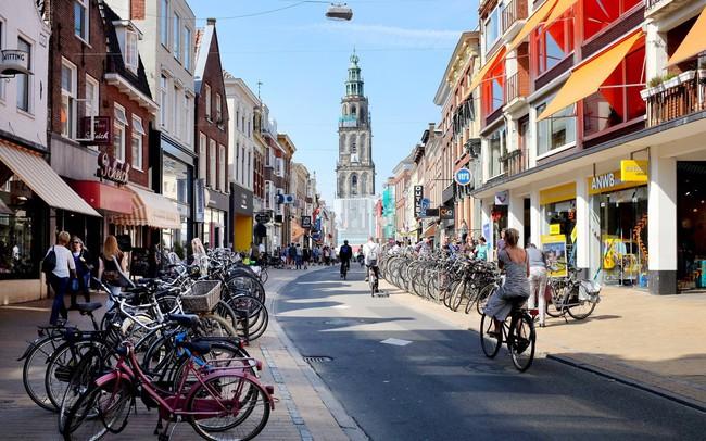 Hà Lan đã làm gì để xoa dịu sự khó chịu của người dân khi không được lái ô tô vào nội đô?