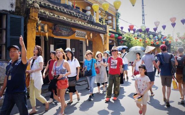 Khách Trung Quốc rời Việt Nam, khách Thái, Hàn, Nhật, Đài Loan và Hoa Kỳ tăng mạnh