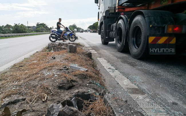 Xe tải lật chết 5 người ở Hải Dương, Trung tá CSGT nói lý do tài xế giật mình