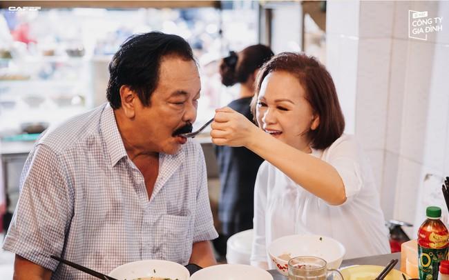 """Video 40 năm gắn kết """"nhà Dr Thanh"""": Khi tình yêu là động lực để vượt qua mọi trở ngại, khó khăn"""