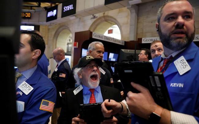 Mỹ hoãn áp thuế với Trung Quốc, Dow Jones bật tăng gần 530 điểm