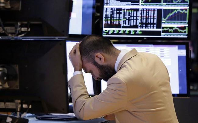 Ngoài chiến tranh thương mại Mỹ - Trung và bất ổn ở Hồng Kông, điều gì đang khiến thị trường hoảng sợ đến vậy? - ảnh 1